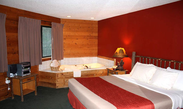 wisconsin-resort-hotel-with-hot-tun-room